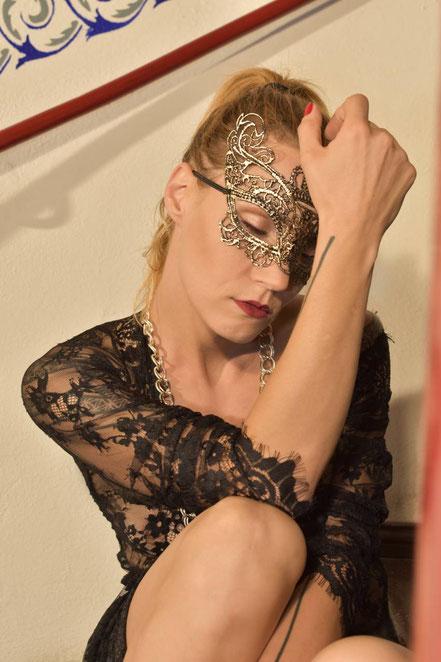 Maskenfotografie, Nadine Guder