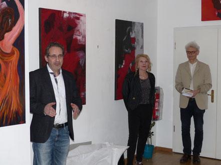 Georg Grell, Gudrun A. Hoffmann und Peter Kamber bei der Begrüßung