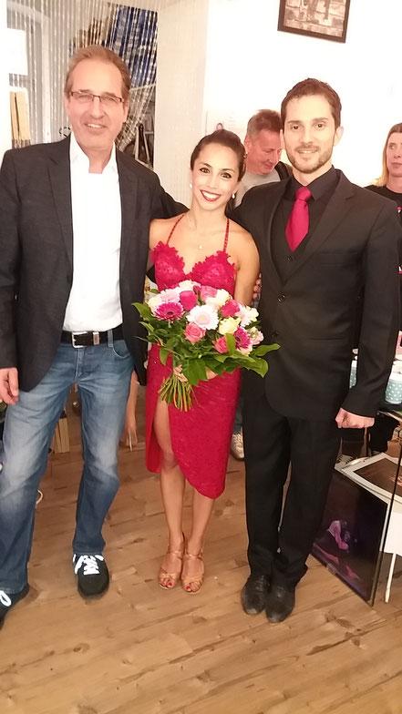 Geor Grell (links) mit Juliana Aparicio & Santiago Hernandez