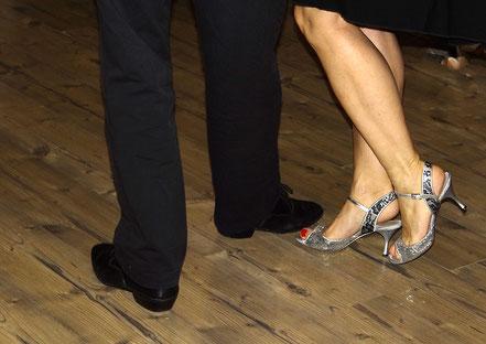 Tango Beine von Caroline Roling und Jürgen Kühne