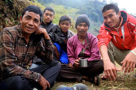 Porteurs du trek dans les Ganesh Himal datant de 2012
