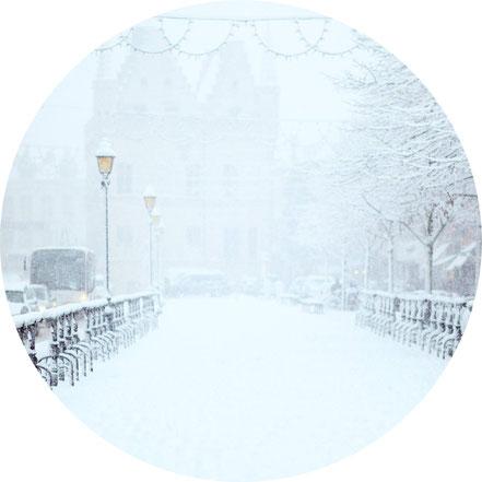 Schneefrei halten von privaten Wegen, Gartenwegen und privaten Straßenabschnitten, Bestreuen von mit Salz, Sand oder Feinsplitt, Kehren von Straßen und Wegen, Entsorgung von Streumaterial
