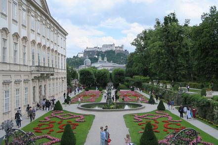 Schloss Mirabell, Salzburg. Oben im Hintergrund Festung Hohensalzburg