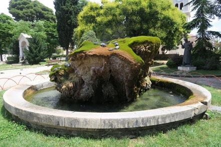 Šibenik, Schildkrötenbrunnen