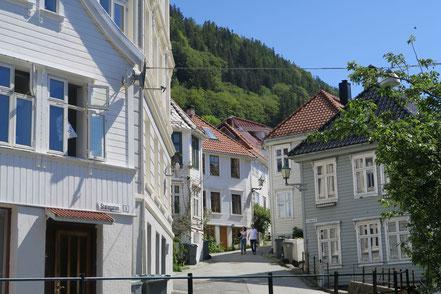 Weiße Häuser in Alt-Bergen