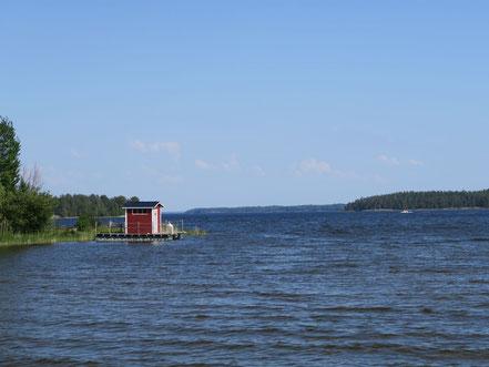 Der See zum Campingplatz