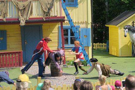 Pippi beim Piratenverprügeln...