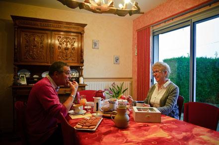 un petit déjeuner aux chambres d'hôtes à Levergies