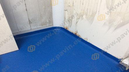 Suelos de resina multicapa cuarzo color con MMA Metil Metacrilato para pavimentos industriales antideslizantes aplicados por Grupo Pavin