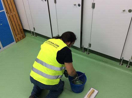 Pavitecnik,suelos,pavimentos,industriales,Barcelona,reparación,rápida,pavimento,alimentario,aplicación,masilla