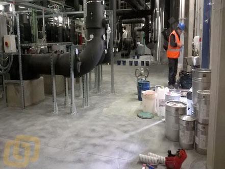 Suelos y pavimentos industriales en industria química de resinas continuos en Barcelona