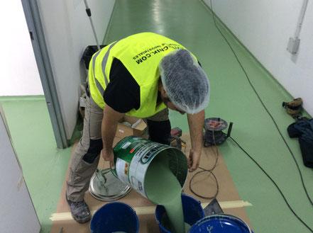 Mezcla de materiales antes de su aplicación en el suelo