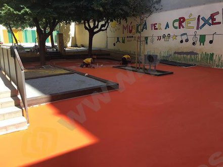 Suelos de resina epoxi para pavimentos industriales escolares