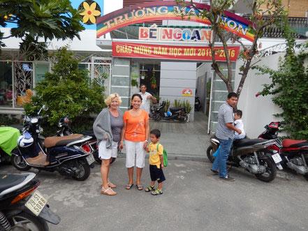 Elke und Luong mit Dung