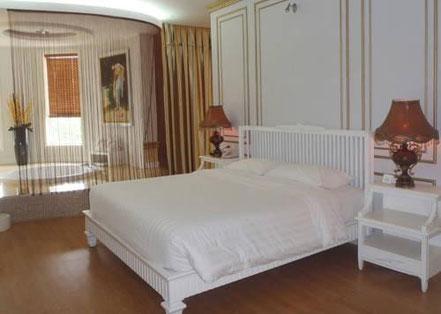 White Hotel VIP Suite