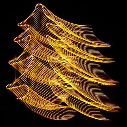 Bild: fliegender Weihnachtsbaum, ©Rita Helmholtz 2016