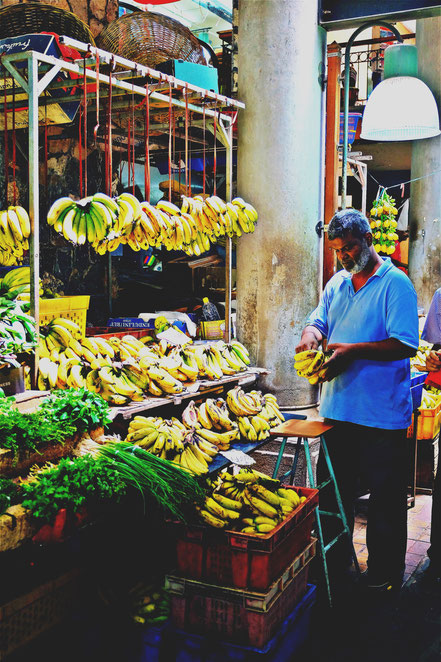 Mauritius selling bananas at the market