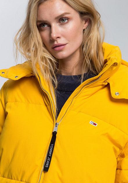 model: Georgia Fowler Evans, photo: eShot Marke: Tommy Hilfiger