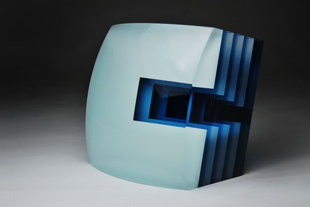 Gap | cut, grinded, glued, hand polished glass | 20 x 20 x 12 cm  | 2015 | ●