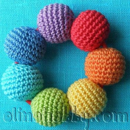 вязаные бусины, слингобусы, слингоигрушки, вязаный прорезыватель для малышей, вязаные игрушки для самых маленьких
