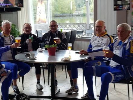 Joyeux Anniversaire Bernard Les Amis Cyclos De L Ardresis