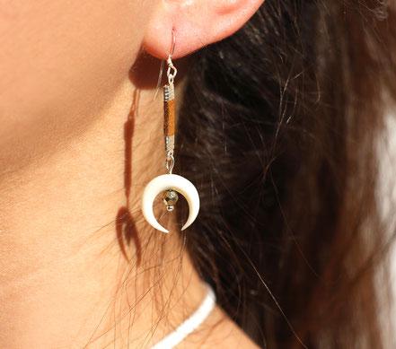 boucles d'oreille pyrite, boucles d'oreille lanière cuir marron, boucles d'oreille argent, boucles d'oreille lune os taillé blanches