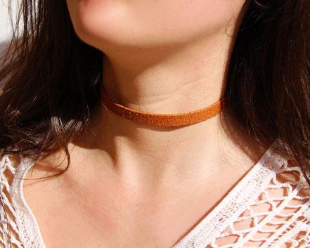 collier tour de cou, collier ras du cou, choker necklace, collier cuir peau de serpent marron, collier marron, leather choker