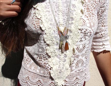 bijoux créateur, création bijoux, bijou de créateur, bijoux fait main, sarayana, sautoir bohème, bohème-chic, bijou cuir, collier cuir, noir et argenté,bijoux élégant de soirée, sautoir pompons
