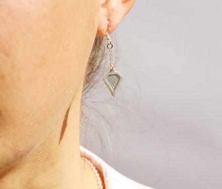 boucles d'oreille cuir, boucles d'oreille argent, boucles d'oreille diamant, bijoux fait main, sarayana, bijoux géométrique, parure bijoux, bijoux cuir, bijoux élégant, bijoux fin, bijoux raffiné