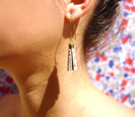 bijoux créateur, création bijoux, bijoux fait main, boucles d'oreille de créateur, bijoux de soirée, bijou moderne, boucles d'oreille de soirée, rose poudré et doré, bijoux rose poudré et doré, long crochet d'oreille, bijoux élégant