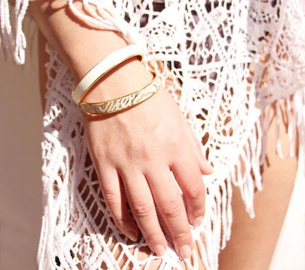 bracelet rose poudré et doré, bracelet cuir, bracelet plaqué or, bracelet été, bijoux cuir
