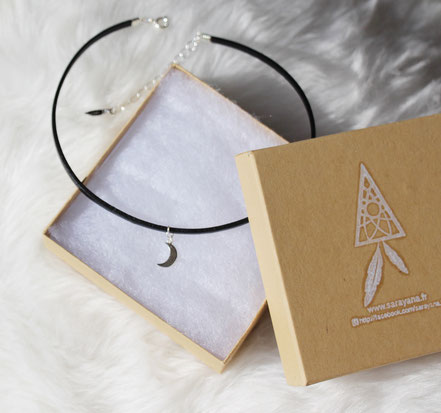 collier ras de cou, chocker necklace, collier lune argent, collier cuir noir, collier court, tour de cou lune, moon necklace
