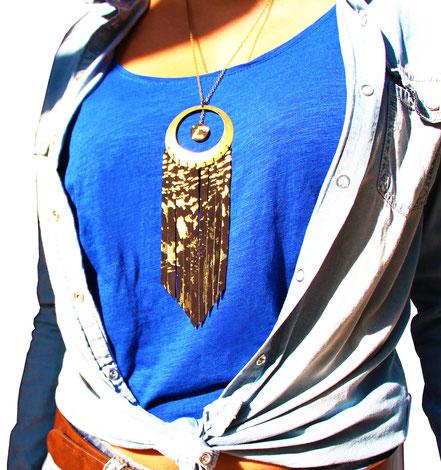 sarayana, bijoux cuir, sautoir cuir, sautoir franges, franges de cuir, sautoir noir doré, sautoir hippie chic, sautoir ethnique chic, sautir élégant, bijoux fait main, création bijoux, créateur bijoux