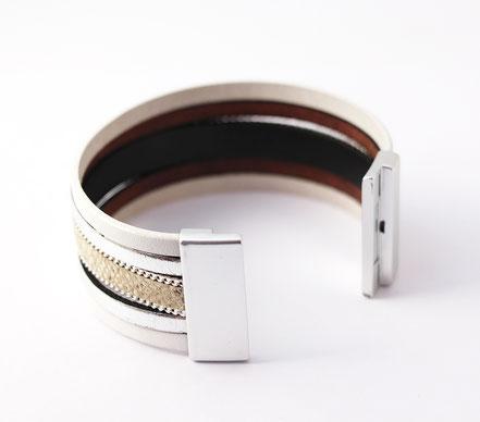 bracelet manchette cuir, bracelet multirangs, bracelet multitours, bracelet cuir python, bracelet manchette blanc et argenté, manchette été, créateur bijoux cuir, sarayana
