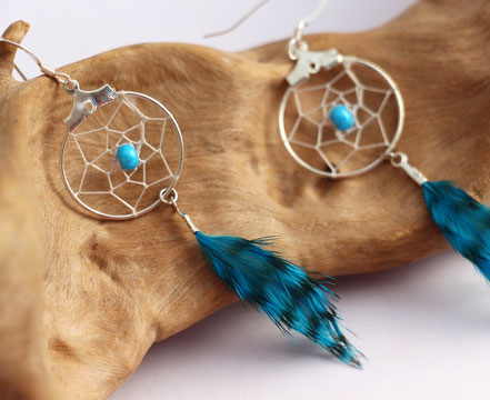 boucles d'oreille attrape-rêve, boucles d'oreille bleu turuoise, boucles d'oreille plumes, bijoux plumes, boucles d'oreille créateur, cadeau noël femme