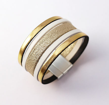 bracelet manchette été, blanc et or doré, bracelet plage, bracelet soirée, blanc et doré, bracelet multirang élégant, bracelet raffiné moderne
