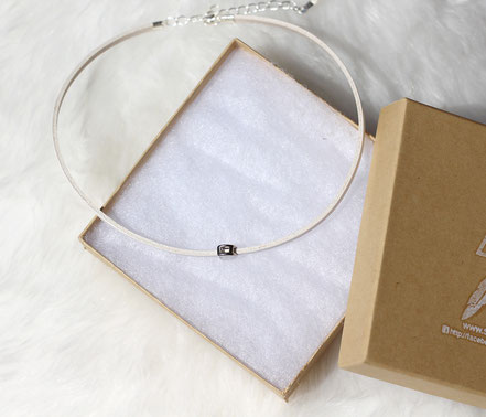 collier ras de cou, tour de cou, collier lune argent, collier court, bijoux blanc et argent,