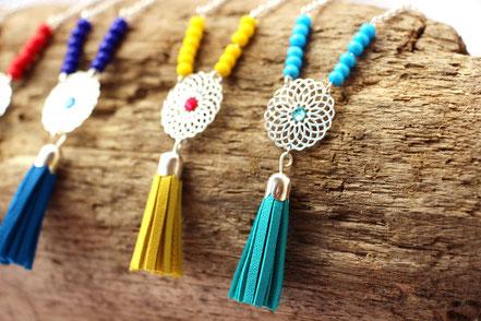 sarayana, bijoux de créateur, création bijoux, bijoux fait main, sautoir cuir, sautoir turquoise, sautoir pompon, pompon de cuir, sautoir bohème chic, bijoux bohème chic