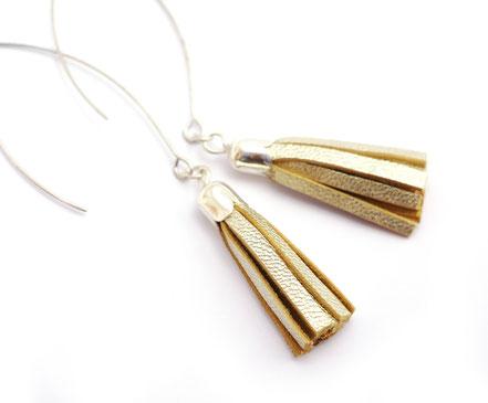 sarayana, bijoux cuir, boucles d'oreille cuir, boucle d'oreille pompon, boucle d'oreille doré, boucles d'oreille argent, boucles d'oreille pompon cuir, hippie chic, bijoux fait main, bijoux créateur, bijoux création