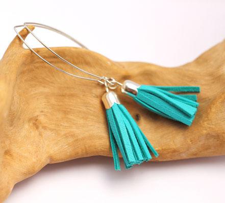 sarayana, création bijoux, bijoux cuir, boucles d'oreille cuir, pompon cuir, boucles d'oreille turquoise, boucle d'oreille gipsy, bohême
