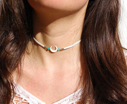 collier ras de cou, tour de cou cuir blanc, collier lune os taillé, collier amazonite, collier été, choker necklace