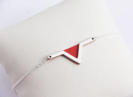 sarayana - bracelet triangle géométrique - aztèque - cuir véritable corail - fait main - chaîne plaqué argent - bijoux femme