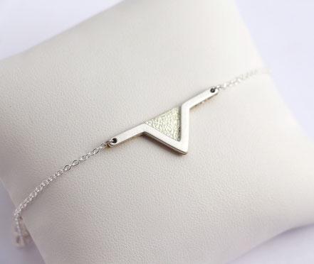 sarayana - bracelet triangle géométrique - style aztèque - cuir véritable - fait main - champagne doré - bijoux femme