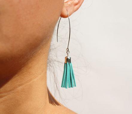 sarayana, création bijoux, créateur bijoux, boucles d'oreilles, boucles d'oreille pompon, pompon cuir, boucles d'oreille mint, boucles d'oreille cuir, bijoux cuir, boucles d'oreilles gipsy, ethnique, bohême