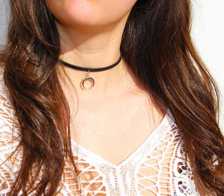 collier lune argent, collier ras de cou, collier tour de cou, collier lanière de cuir noir, choker necklace, collier noir et argent