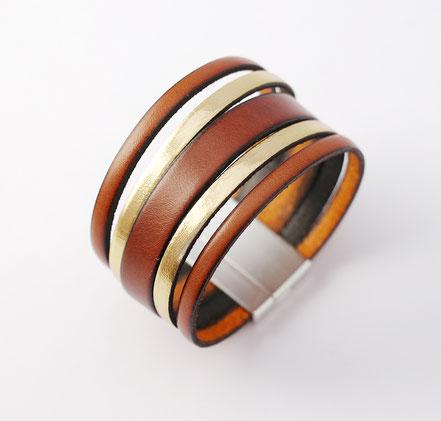 bracelet manhette en cuir marron camel et or, camel et doré, bracelet multirang, bijoux fait main de créateur, bracelet en cuir femme