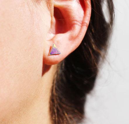 bijoux de lobe, boucles d'oreille triangle, boucle de lobe, bijoux géométrique, boucles d'oreille cuir, ear cuff, boucles d'oreille puce triangle, noir et argenté, boucles d'oreille devant-derrière