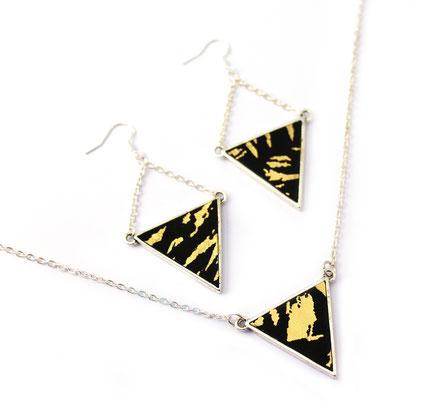 sarayana, boucle d'oreille géométrique, boucles d'oreille triangle, bijoux triangle cuir, boucles d'oreille noir doré, boucles d'oreille argent, bijoux fait main, créateur bijoux, création bijoux