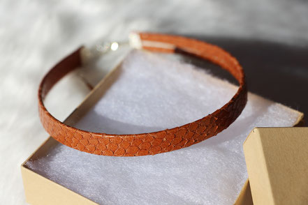 collier tour de cou, collier ras du cou, choker necklace, collier cuir peau de serpent marron, collier marron, leather choker