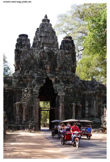 Am Osttor von Angkor Thom